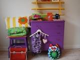 Puošiame vaikų kambarį: gelsvi ir purpuriniai atspalviai
