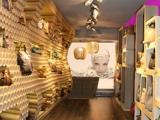 Rankinių salono interjeras iš kartono ritinių