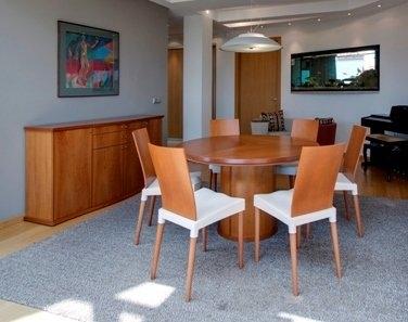 Aukštos kokybės indaujos ir stalo komplektas (Beola)