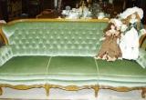 Žalio barchato antikvarinė sofutė