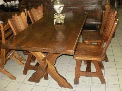 Stalas su 4 kėdėm