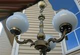 Trijų atšakų šviestuvas