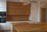 Virtuvė frezuotais fasadais
