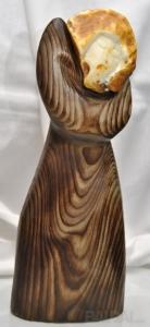 """Gintaro-medžio skulptūra """"Dama"""", vienetinė"""