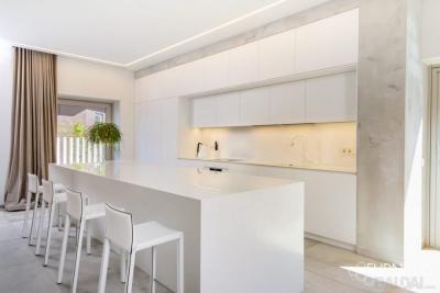 Kokybiški ir išskirtiniai virtuvės baldai (1)