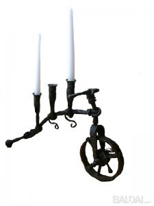 """Žvakidė """"Dviratukas"""", kalvių rankų darbo"""