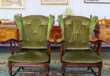 Du žalios spalvos audinio foteliai
