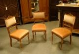 3 kėdės