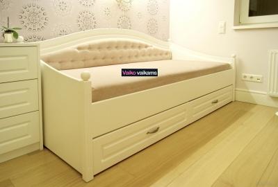 Prabangios lovos vaikams