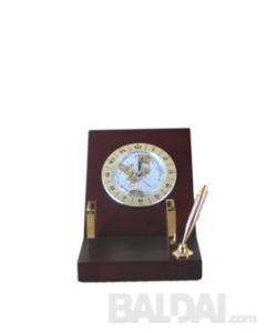 Laikrodis su stoveliu rašikliui