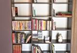 Riešuto knygų lentyna