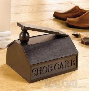 """Medinė dėžutė """"Spindintys batai"""""""