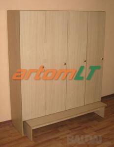 Keturių durų persirengimo spinta su suoliuku