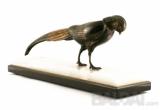 """Skulptūra """"Varinis paukštis ant dvigubos marmurinės plokštės"""""""