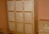 Spinta 3-jų durų BSPT-30 (naturaliai lakuota)