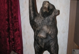 """Skulptūra """"Lokys su bačka"""""""