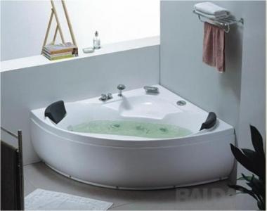 Akrilinė masažinė vonia 827