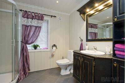 Vonios baldų komplektas  (3)
